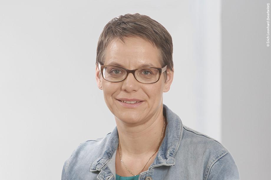 Dr. Regina Augustin